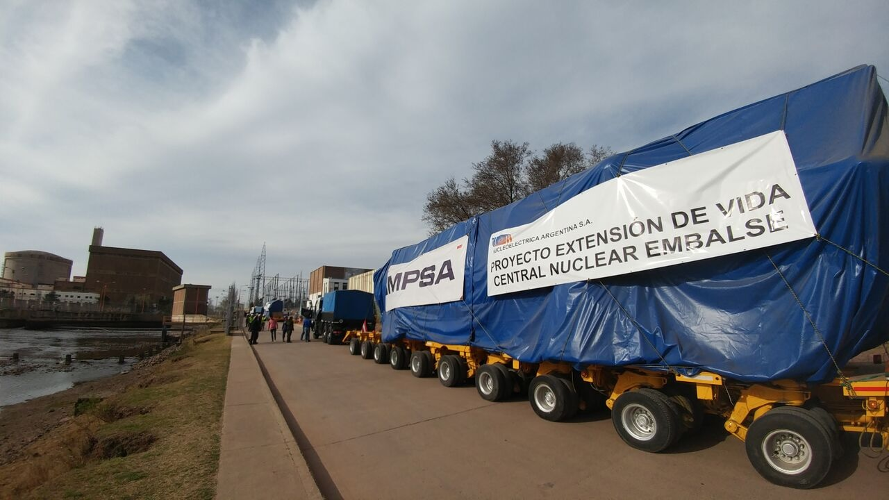 VIDEO: reemplazo de generadores de vapor (Mendoza, Argentina)