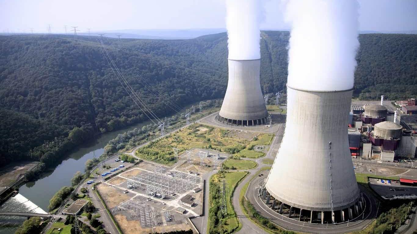 Japón reinicia reactor y acelera regreso a la energía nuclear tras Fukushima